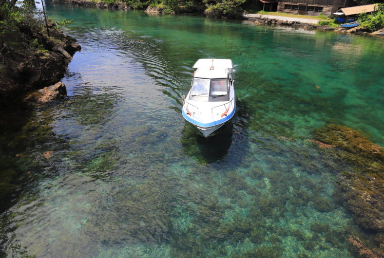 モーターボート02