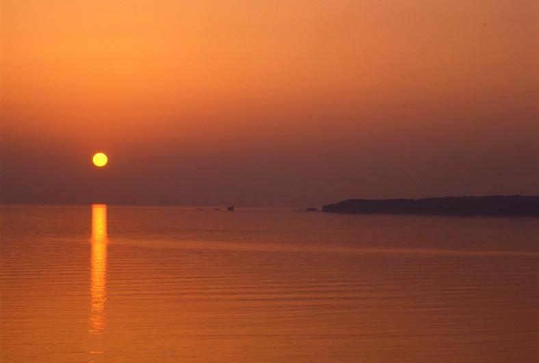 夕日 真野湾